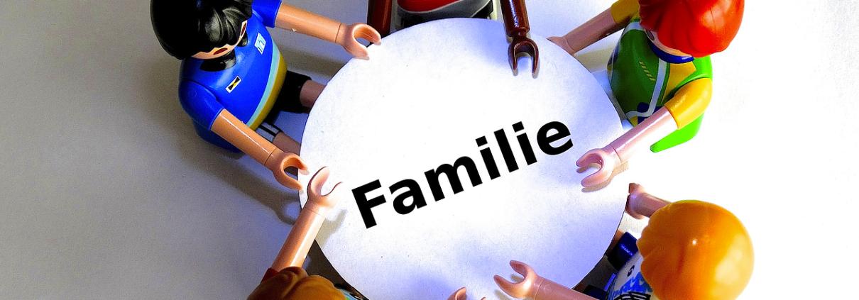 family-451358_1280